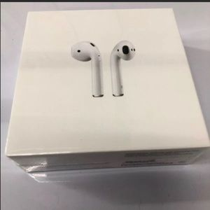 Bundle of 5 airpods, 1 person only